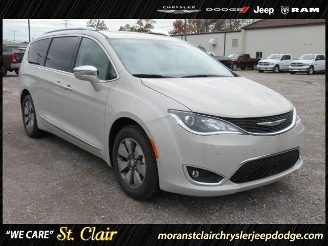 2017 Chrysler Pacifica Hybrid Passenger Van