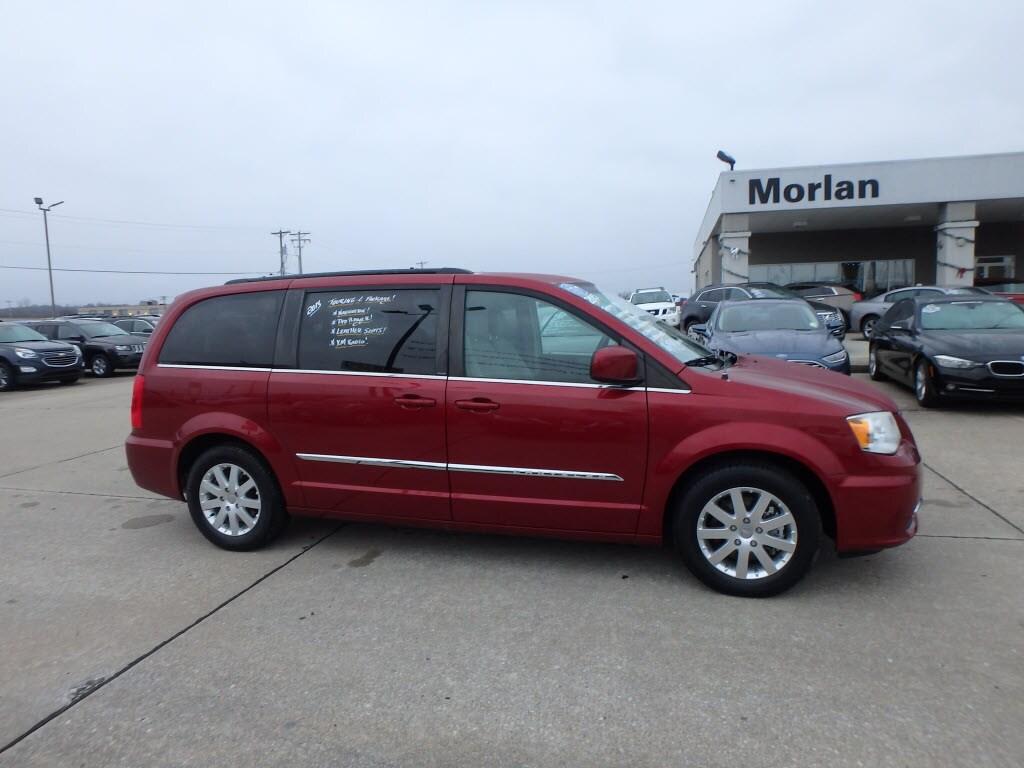 2013 Chrysler Town & Country Van