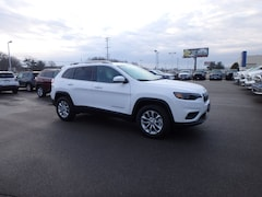 New 2019 Jeep Cherokee LATITUDE 4X4 Sport Utility for sale in Cape Girardeau