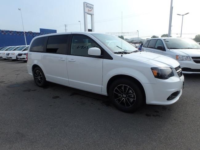 New 2018 Dodge Grand Caravan SE PLUS Passenger Van Cape Girardeau