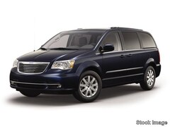 Bargain 2016 Chrysler Town & Country Touring Van LWB Passenger Van for sale in Cape Girardeau, MO