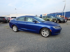 Used  2017 Chrysler 200 Touring Sedan for sale in Cape Girardeau