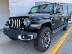 New 2020 Jeep Gladiator OVERLAND 4X4 Crew Cab 20-118 for Sale in Sikeston, MO, at Autry Morlan Dodge Chrysler Jeep Ram