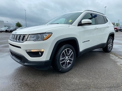 New 2017 Jeep Compass X Latitude SUV for Sale in Sikeston, MO, at Autry Morlan Dodge Chrysler Jeep Ram