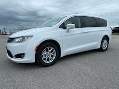 New 2020 Chrysler Pacifica TOURING Passenger Van for Sale in Sikeston MO at Autry Morlan Dodge