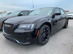 New 2019 Chrysler 300 TOURING Sedan for Sale in Sikeston MO at Autry Morlan Dodge