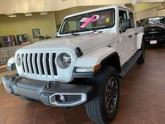 New 2020 Jeep Gladiator OVERLAND 4X4 Crew Cab 20-131 for Sale in Sikeston, MO, at Autry Morlan Dodge Chrysler Jeep Ram