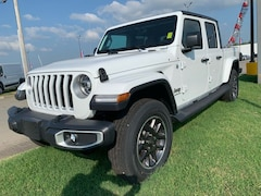 New 2020 Jeep Gladiator OVERLAND 4X4 Crew Cab for Sale in Sikeston, MO, at Autry Morlan Dodge Chrysler Jeep Ram