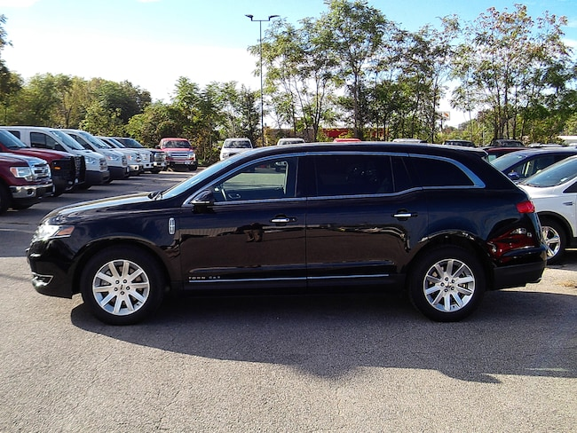 2017 Lincoln MKT Livery SUV