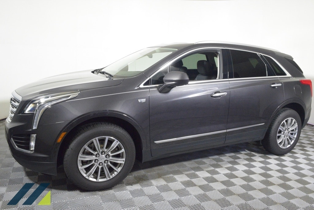 Used 2017 Cadillac XT5 Luxury with VIN 1GYKNDRS1HZ250578 for sale in Brooklyn Park, Minnesota