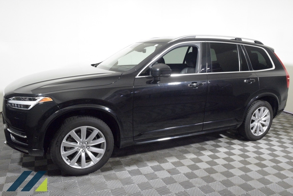 Used 2016 Volvo XC90 Momentum with VIN YV4A22PK6G1027898 for sale in Brooklyn Park, Minnesota