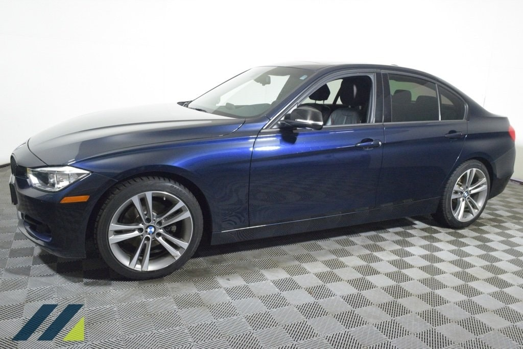 Used 2013 BMW 3 Series 328i with VIN WBA3A5C51DF453381 for sale in Brooklyn Park, Minnesota