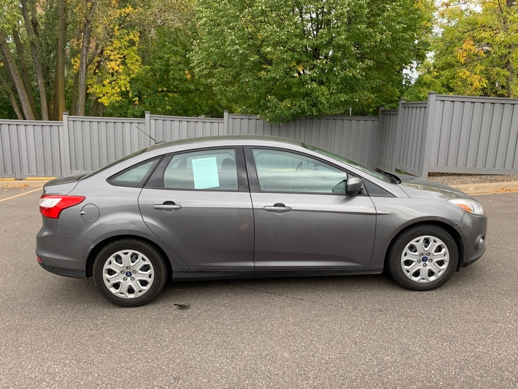 Used 2012 Ford Focus SE with VIN 1FAHP3F20CL453777 for sale in Minnetonka, Minnesota
