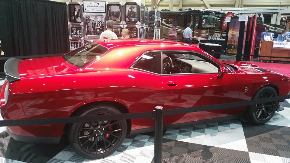 Barret_Jackson_Exclusive_Auction_vehicle_2015_Dodge_Charger_Hellcat