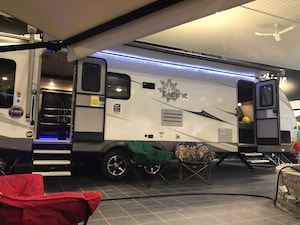 2018 Highland Ridge RV 275RLS LIGHT