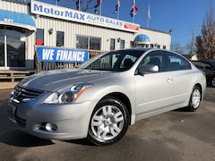 2011 Nissan Altima 2.5 S- LOW KMS- WE FINANCE Sedan