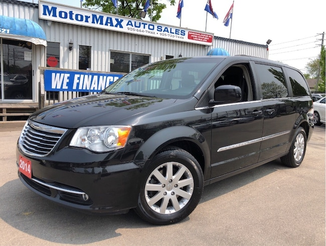 2014 Chrysler Town & Country Touring-STOW-N-GO- REAR VIEW CAMERA-WE FINANCE Minivan