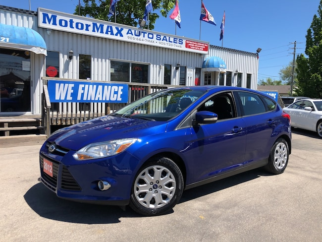 2012 Ford Focus SE- ONE OWNER- WE FINANCE Hatchback