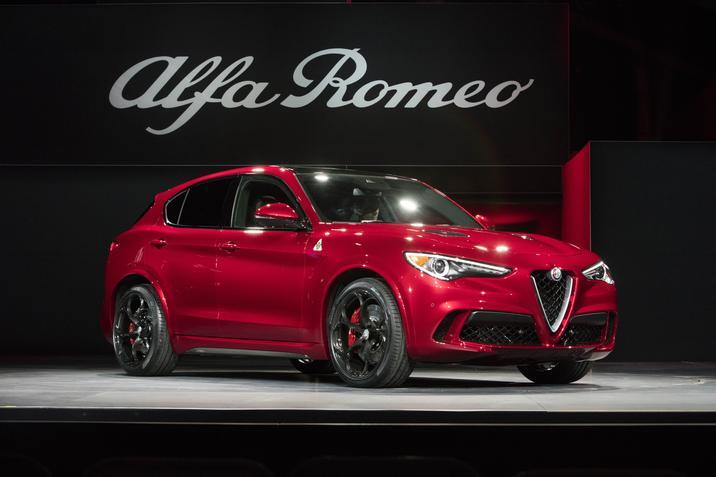 2017 Alfa Romeo Stelvio Red Exterior