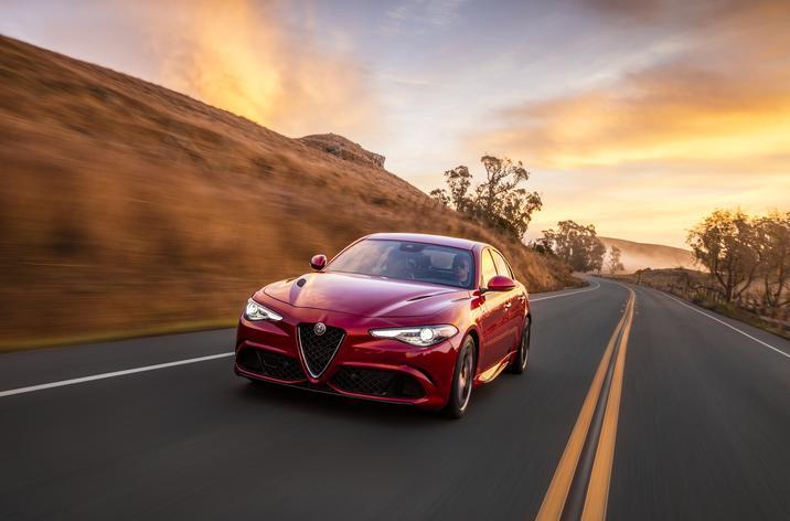 2017 Alfa Romeo Giulia Quadrifoglio Front Exterior