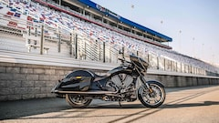 2016 VICTORY MOTORCYCLES Cross Country 8-Ball