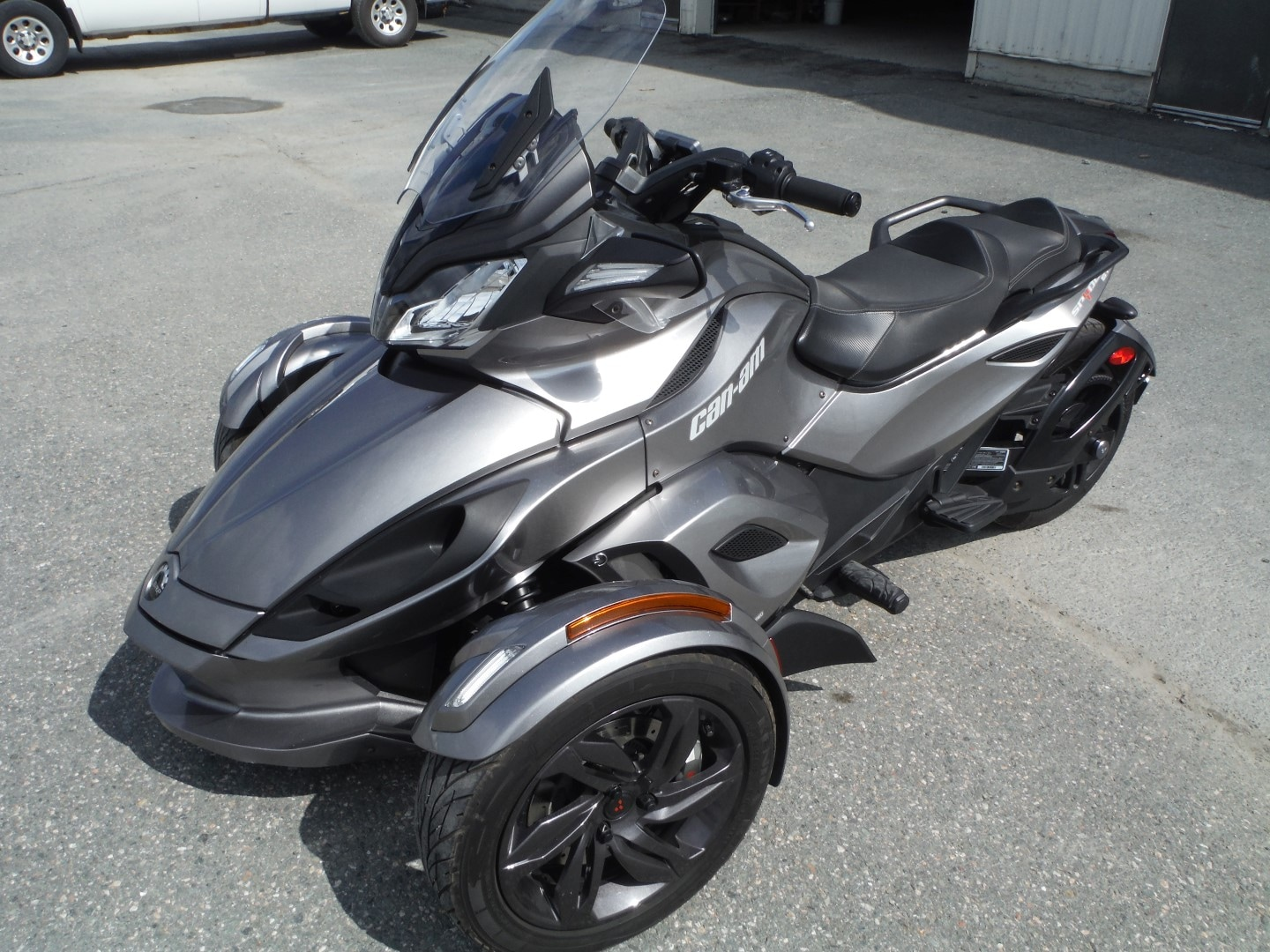 achat moto can am spyder occasion. Black Bedroom Furniture Sets. Home Design Ideas