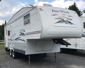 2006 HONDA Other Roulotte fifthwheel FOUR WINDS 24.5!!!