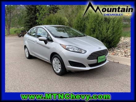 2016 Ford Fiesta S Car