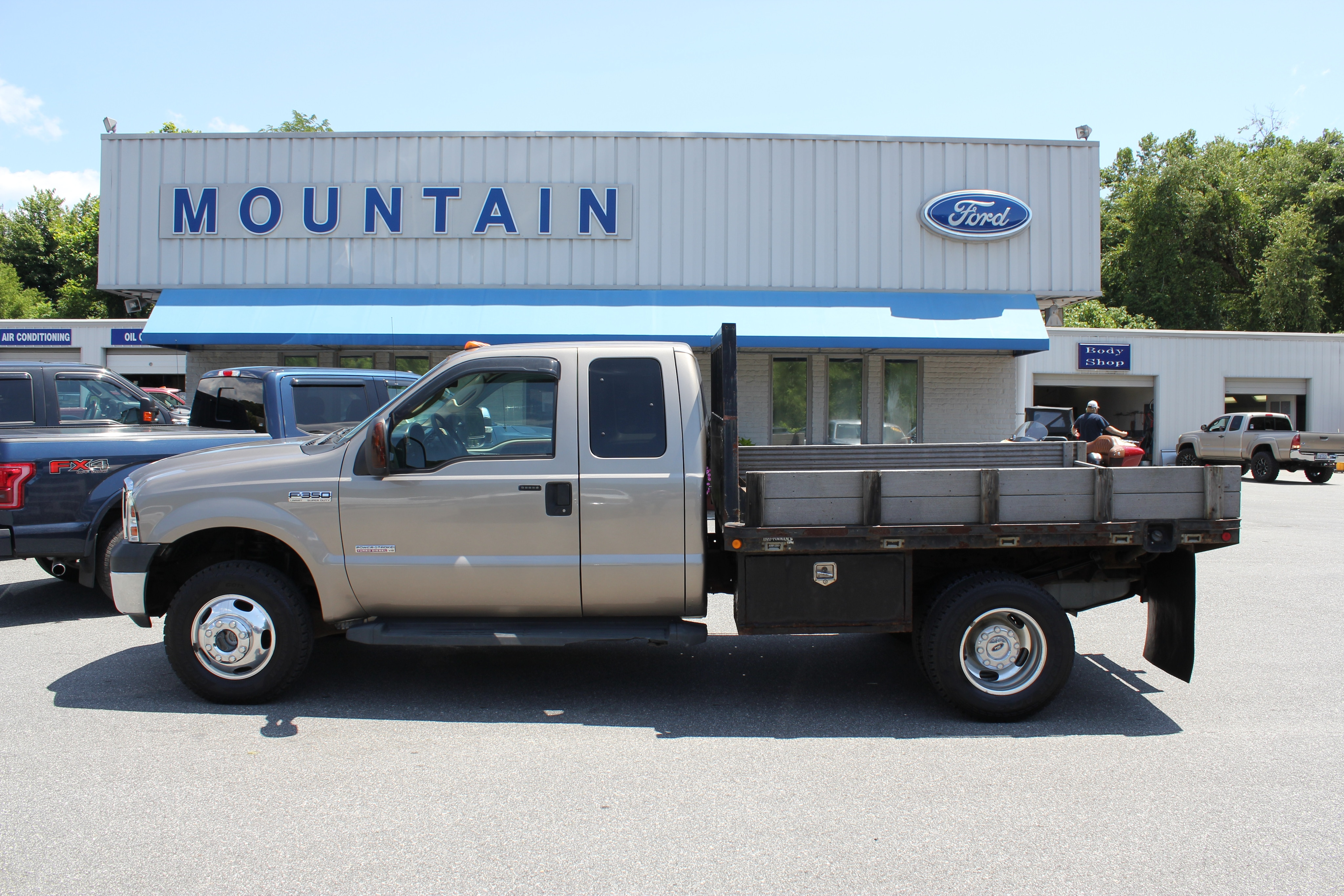 2006 Ford F-350 Chassis Cab Lariat Chassis Truck