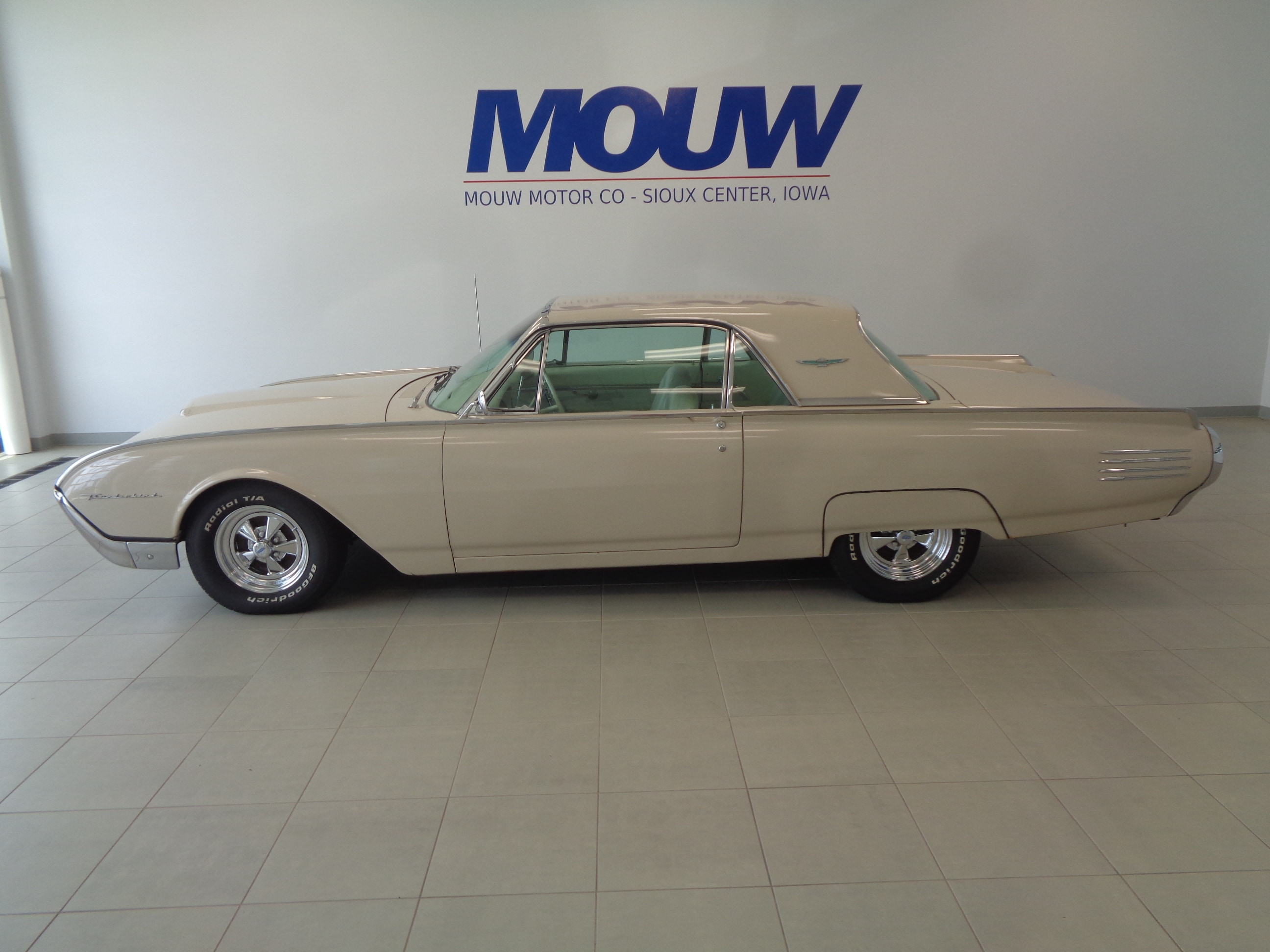 used 1961 ford thunderbird for sale at mouw motor company inc vin 1y71z153890 mouw motor company inc