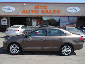 2012 Volkswagen Jetta 2.5L Highline (A6) LEATHER , SUNROOF , LOW K,