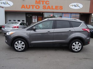 2014 Ford Escape Titanium NAVIGATION , BACK UP CAM,  LEATHER , AWD,