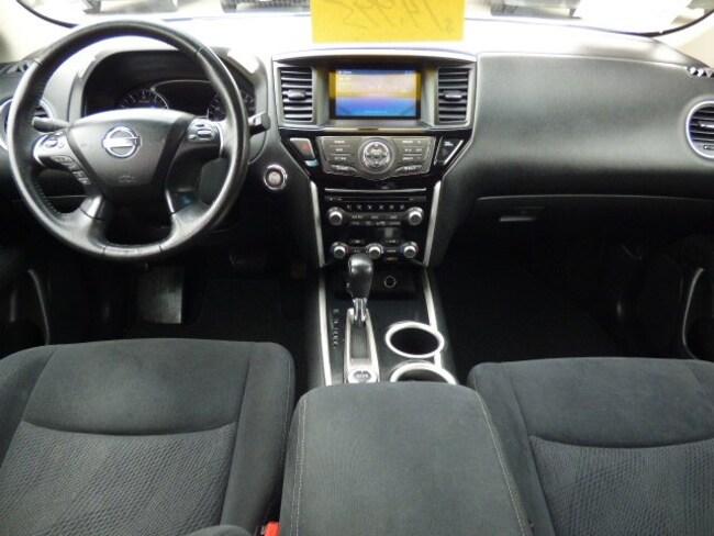 Used 2013 Nissan Pathfinder SV For Sale in Arroyo Grande, CA | VIN#  5N1AR2MMXDC637299