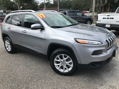 Used Cars  2017 Jeep Cherokee Latitude 4x4 SUV For Sale in Southold
