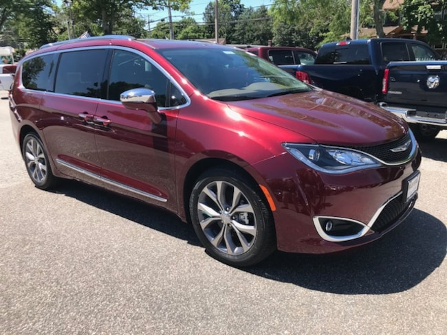 New 2018 Chrysler Pacifica LIMITED Passenger Van For sale in Southold, NY