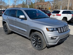 New 2020 Jeep Grand Cherokee ALTITUDE 4X4 Sport Utility For Sale in Southold, NY