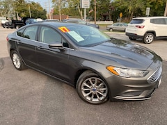 Used 2017 Ford Fusion SE Sedan For Sale in Southold, NY