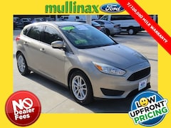 Certified Pre-Owned 2015 Ford Focus SE Hatchback 228097A