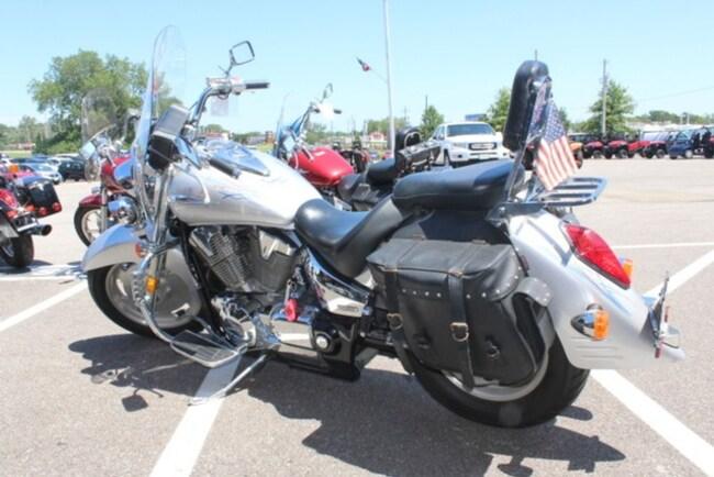 2006 Honda VTX 1300 R Cruiser Motorcycle