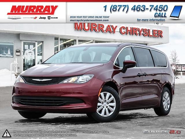 2018 Chrysler Pacifica L *Stow N Go* *Apple CarPlay* *Touchscreen* Van Passenger Van