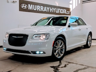 2018 Chrysler 300 Touring *with Apple CarPlay and Android Auto | Power Driver Seat | UConnect Infotainment* Sedan