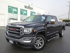 2017 GMC Sierra 1500 SLT CCab 4WD Heated/Vented front seats, MAX traile Truck Crew Cab