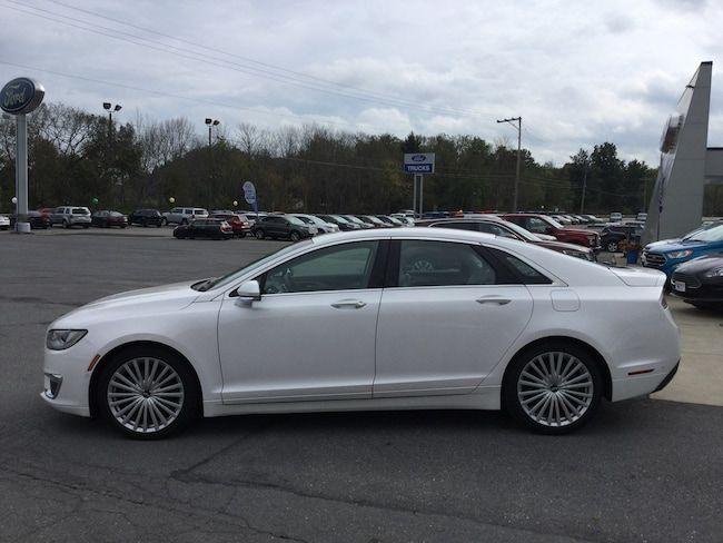 2017 Lincoln MKZ Reserve AWD  SEDAN