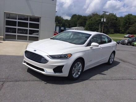 2019 Ford Fusion SEL Hybrid Sedan