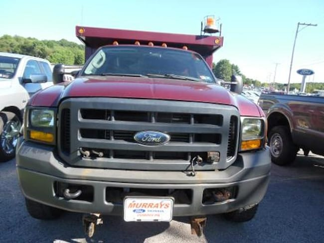 2007 Ford F-550 Chassis Cab XL 4WD  Chassis Truck