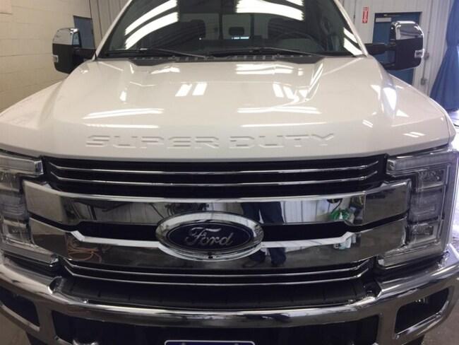 2019 Ford F-350 4X4 Crew CAB Pickup/ Truck V8, Diesel