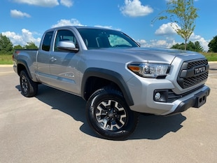 2017 Toyota Tacoma TRD Offroad Truck Access Cab