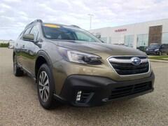 2020 Subaru Outback Premium SUV 4S4BTAEC2L3200773