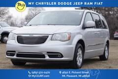 Bargain 2011 Chrysler Town & Country Touring-L Van LWB Passenger Van for sale in Mt. Pleasant, MI