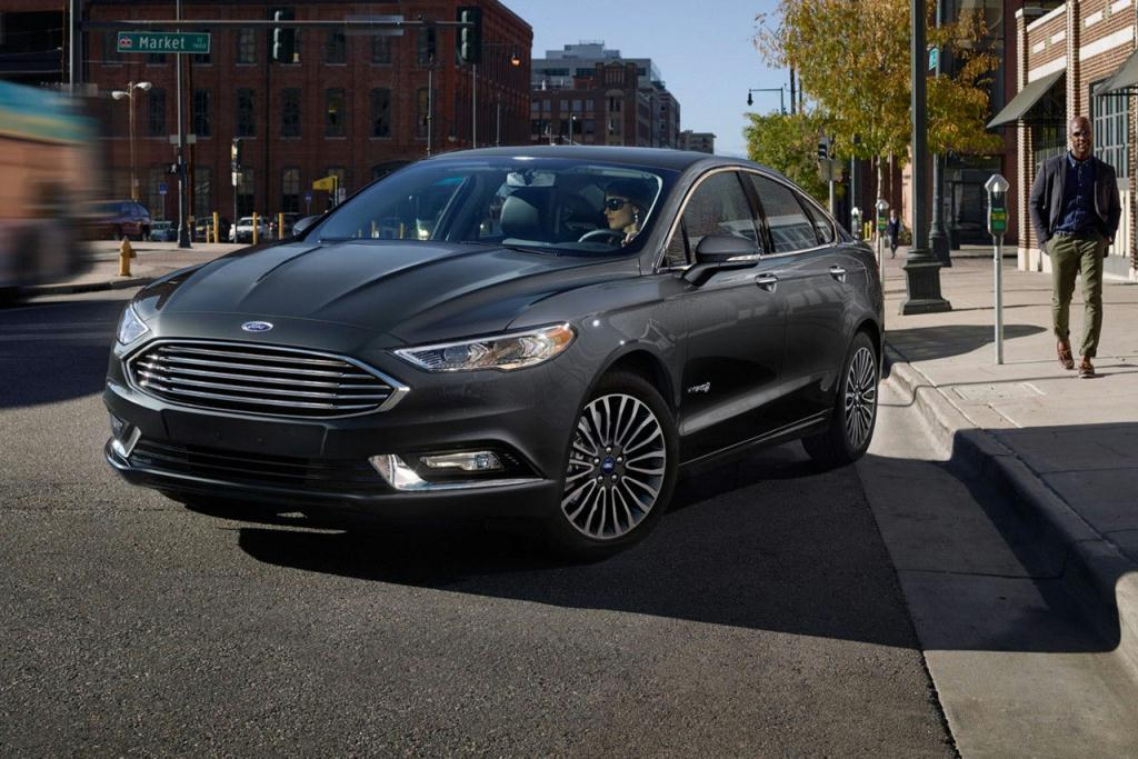2017 Ford Fusion Hybrid Titanium in Magnetic